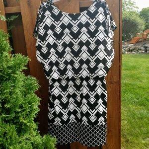 🌼 White House Black Market Dress!